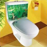 унитаз с аквариумными рыбками